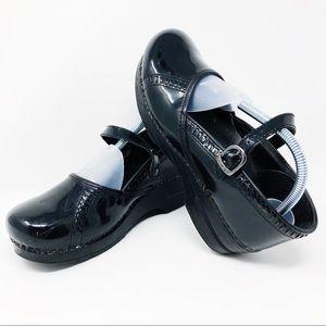 Dansko Women's 10 Black Ankle Strap Nurse Clog